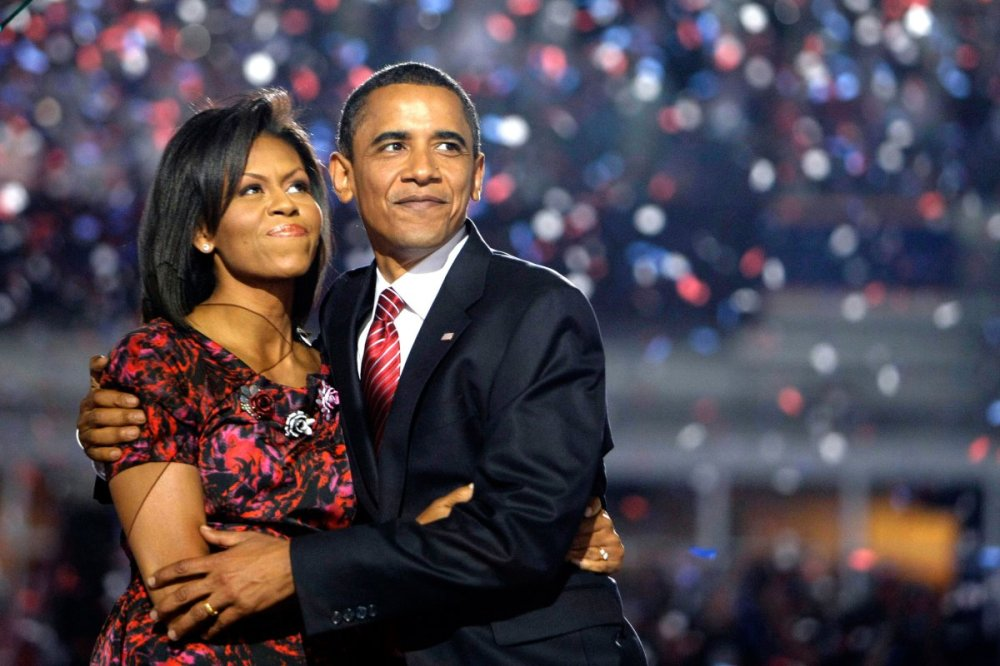 barack-obama-michelle-obama-love-story-romance-photos-08